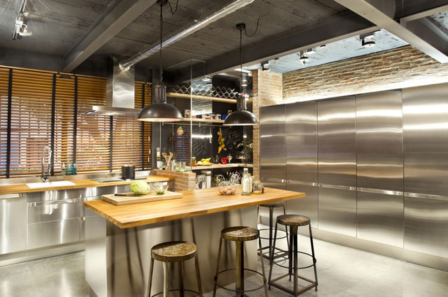 loft-with-open-layout-glass-walls-and-privacy-gardens-7.jpg
