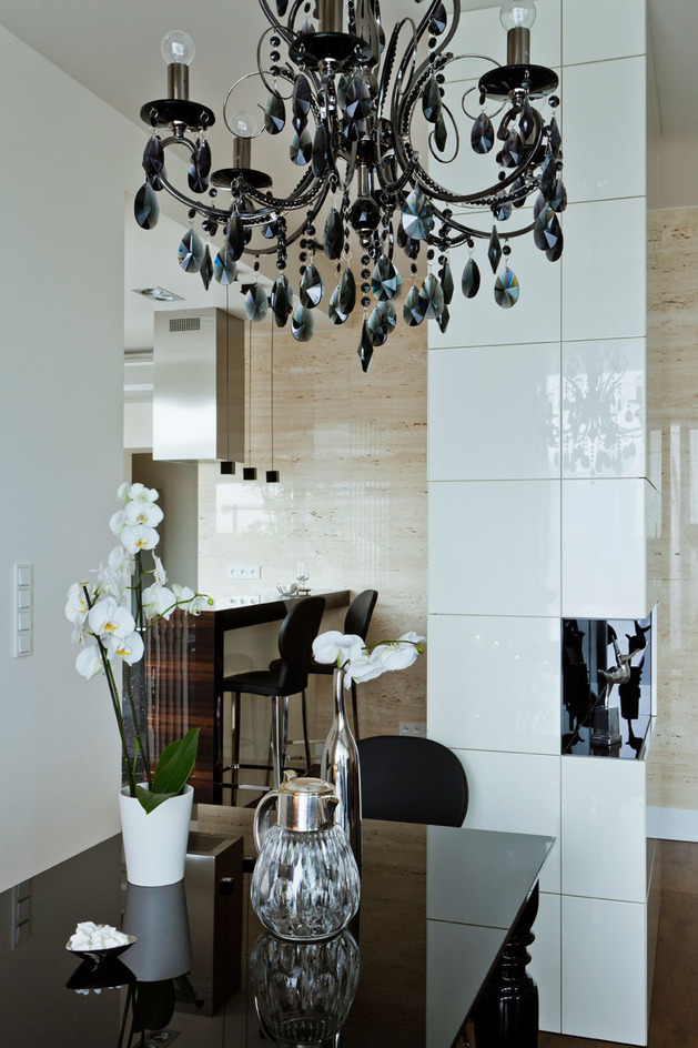 contrasting neutrals create exciting drama apartment 2 dining thumb autox944 41508 Contrasting Neutrals Create Exciting Drama in Apartment