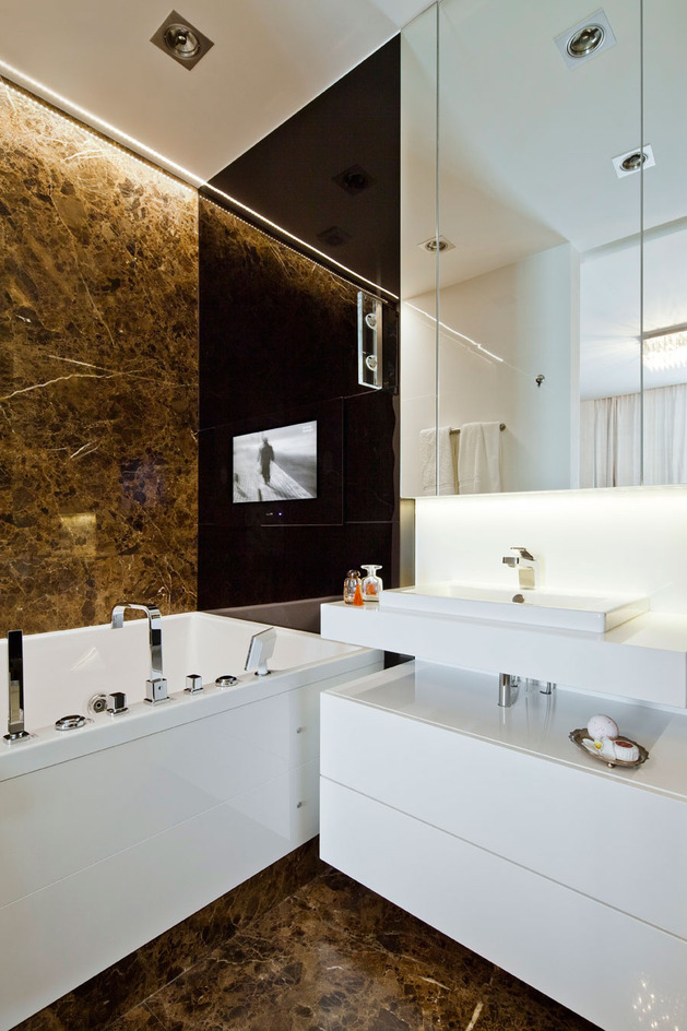 contrasting-neutrals-create-exciting-drama-apartment-9-bath.jpg