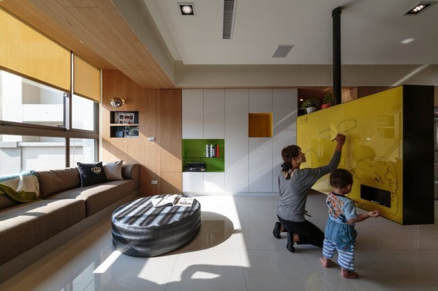 pivoting tv turns playful apartment into entertainment area 2 thumb 630xauto 41696 Pivoting TV Turns Playful Apartment into Entertainment Area