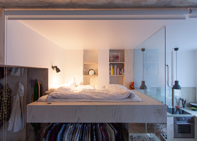 cleverly-designed-tiny-apartment-decades-patina-renovation-12-bed.jpg