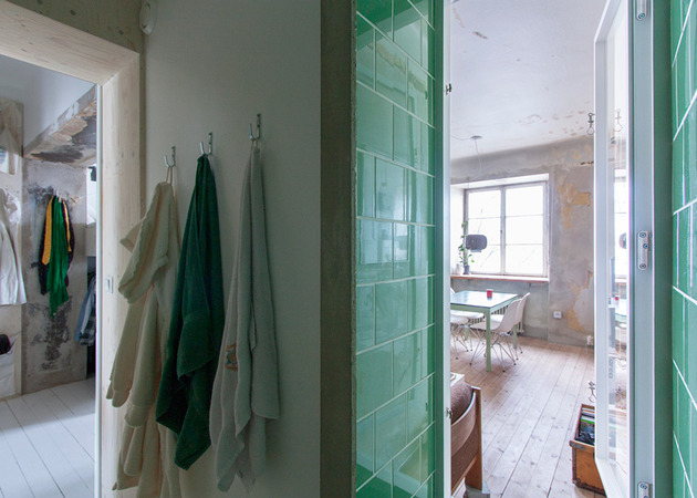 cleverly-designed-tiny-apartment-decades-patina-renovation-5-shower.jpg
