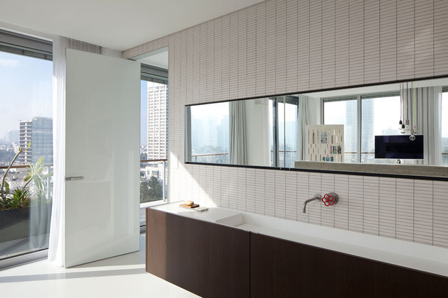 colour-popping-penthouse-uninterrupted-views-4-sides-13-vanity.jpg