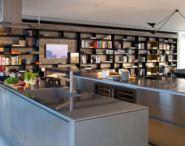 colour-popping-penthouse-uninterrupted-views-4-sides-3-shelving.jpg