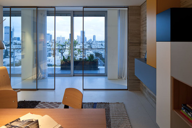 colour-popping-penthouse-uninterrupted-views-4-sides-5-office1.jpg