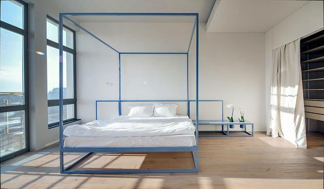 contemporary-open-plan-loft-pale-colour-palette-15-bed.jpg