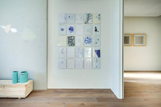 contemporary-open-plan-loft-pale-colour-palette-17-bed2.jpg
