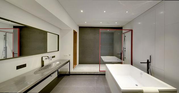 contemporary-open-plan-loft-pale-colour-palette-18-bath.jpg