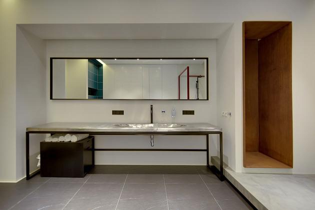 contemporary-open-plan-loft-pale-colour-palette-21-vanity.jpg