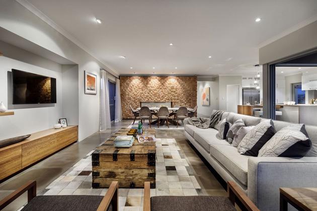 super cozy elegant home craftsmanship rustic elements 2 family thumb 630xauto 44663 Super Cozy Elegant Home combines Craftsmanship with Rustic Elements