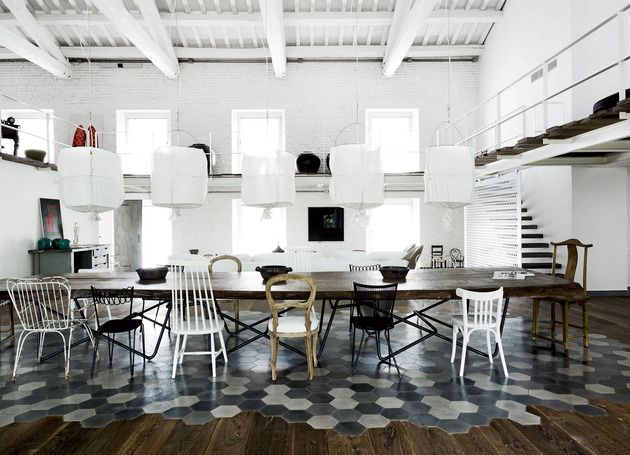 warehouse renovation ramps up visual volume 1 dining thumb 630xauto 45488 Heavenly Interiors and Beautiful Floors: a Warehouse Renovation by Paola Navone