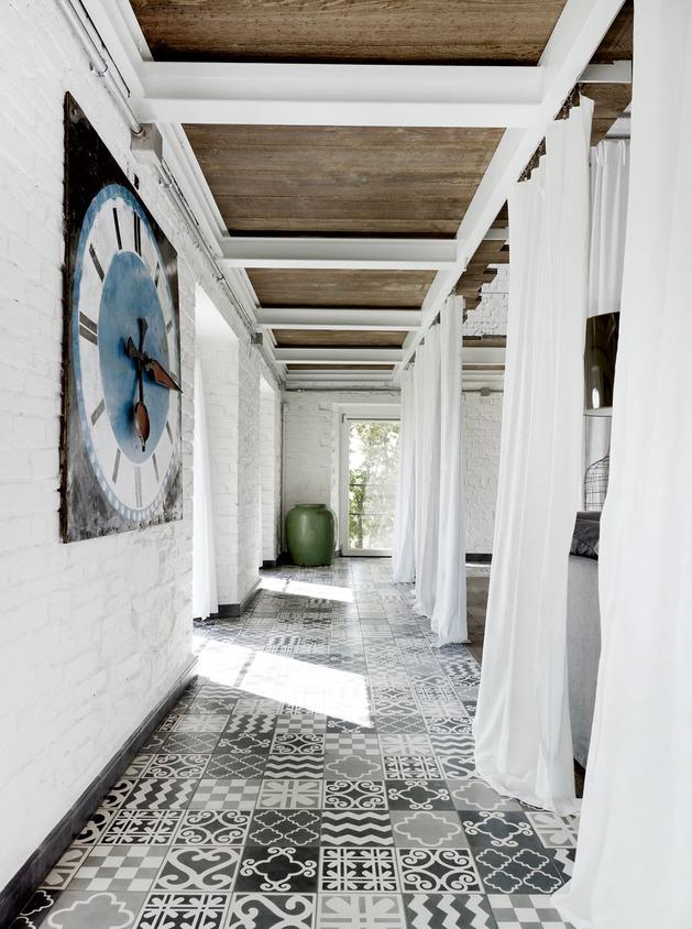 warehouse-renovation-ramps-up-visual-volume-7-hall.jpg
