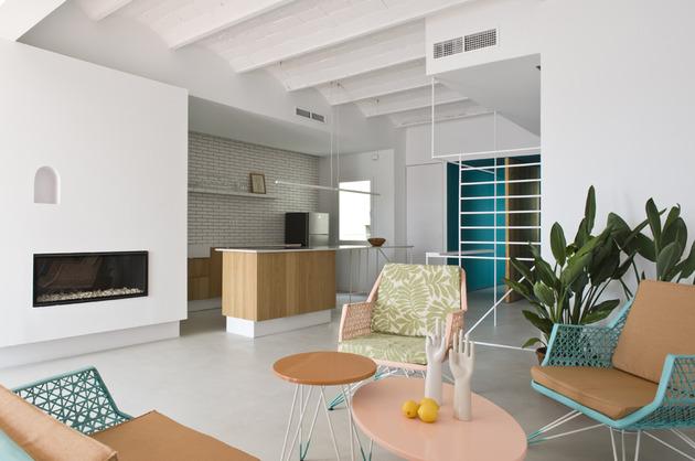 alfresco-apartment-brick-sitting-area-indoor-outdoor-appeal-13.jpg