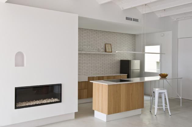 alfresco-apartment-brick-sitting-area-indoor-outdoor-appeal-14.jpg