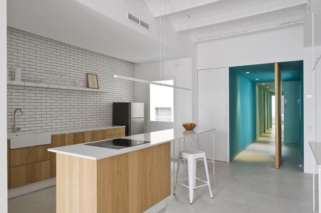 alfresco-apartment-brick-sitting-area-indoor-outdoor-appeal-18.jpg