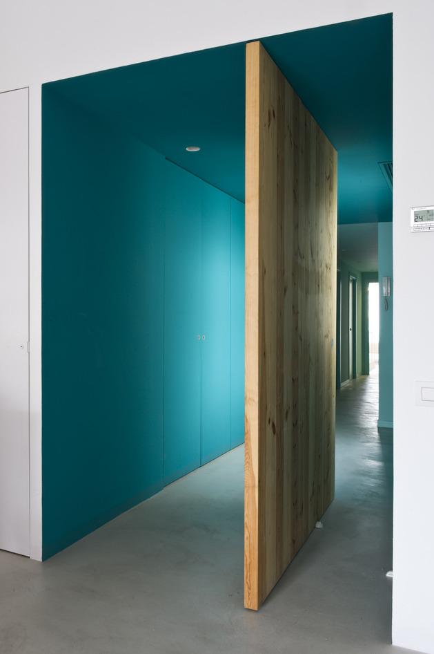 alfresco-apartment-brick-sitting-area-indoor-outdoor-appeal-19.jpg