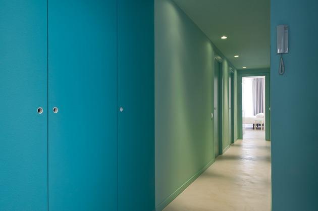 alfresco-apartment-brick-sitting-area-indoor-outdoor-appeal-20.jpg