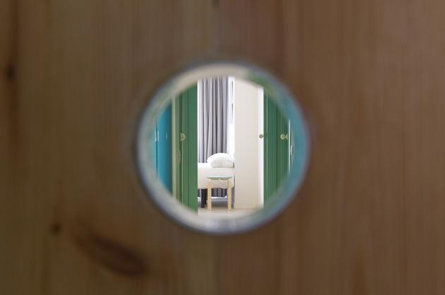 alfresco-apartment-brick-sitting-area-indoor-outdoor-appeal-21.jpg