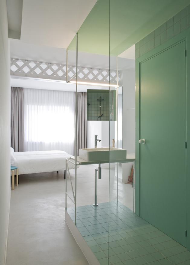 alfresco-apartment-brick-sitting-area-indoor-outdoor-appeal-22.jpg