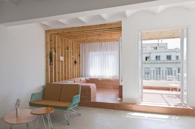 alfresco-apartment-brick-sitting-area-indoor-outdoor-appeal-5.jpg