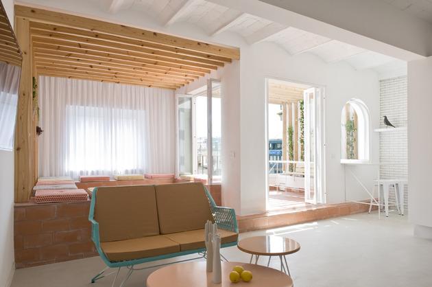 alfresco-apartment-brick-sitting-area-indoor-outdoor-appeal-6.jpg