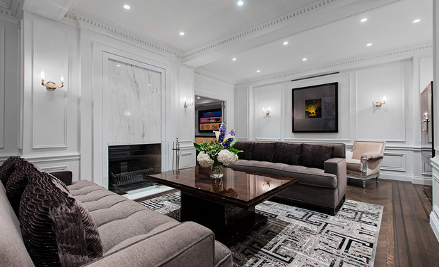 neoclassical home with rich architectural details 2 thumb 630xauto 46370 Modern Neoclassical Interiors Mixed with Contemporary by Britto Charette