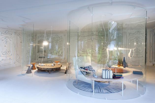 s shaped glass walls living room 1 thumb 630xauto 46879 S Shaped Glass Walls Connect Indoors and Out