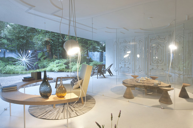 s-shaped-glass-walls-living-room-4.jpg