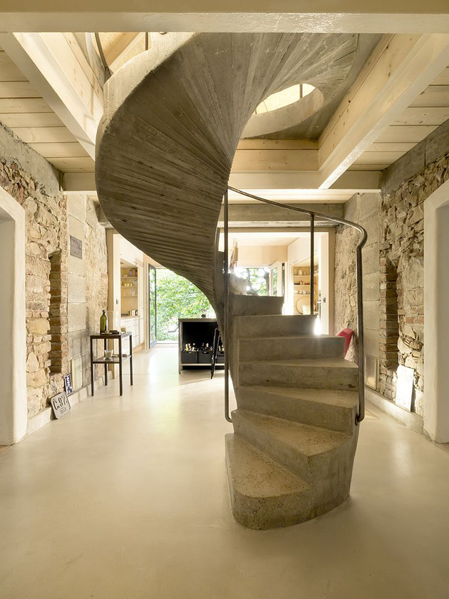 historic-stone-and-plaster-house-gets-updated-15.jpg