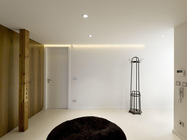 rounded-loft-with-flowing-floor-plan-seamless-style-11.jpg