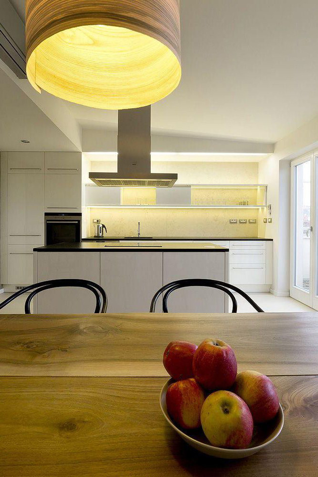 rounded-loft-with-flowing-floor-plan-seamless-style-6.jpg