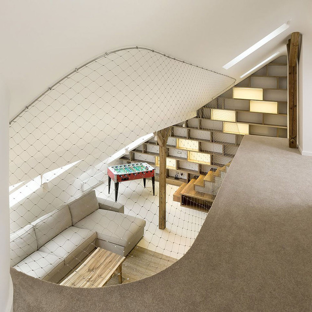 rounded-loft-with-flowing-floor-plan-seamless-style-9.jpg