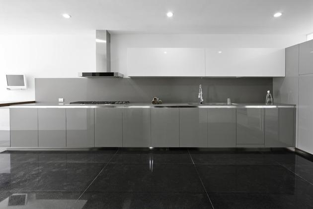 organic-interior-showcasing-raw-and-refined-wood-10.jpg
