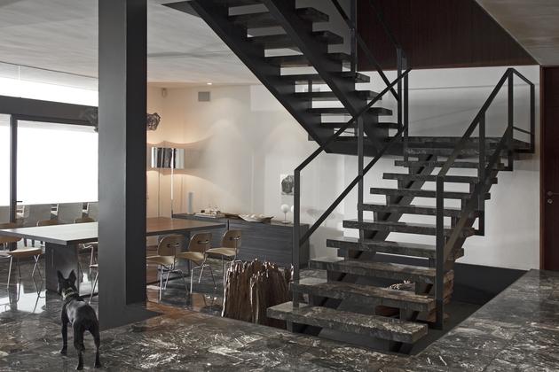 organic-interior-showcasing-raw-and-refined-wood-12.jpg
