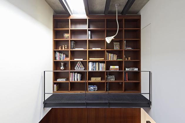 organic-interior-showcasing-raw-and-refined-wood-13.jpg