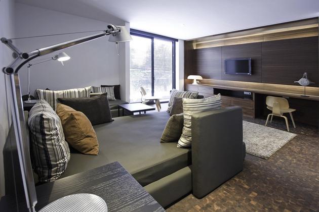 organic-interior-showcasing-raw-and-refined-wood-14.jpg