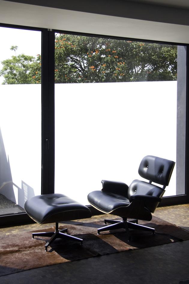 organic-interior-showcasing-raw-and-refined-wood-17.jpg