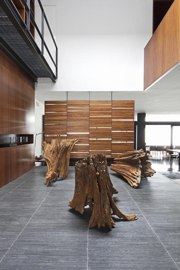 organic-interior-showcasing-raw-and-refined-wood-3.jpg