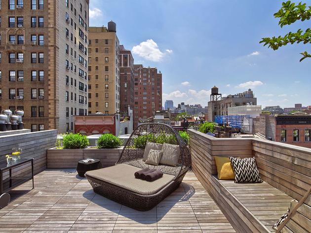 fearlessly-artistic-exciting-interior-design-revamp-18-roof-veranda.jpg