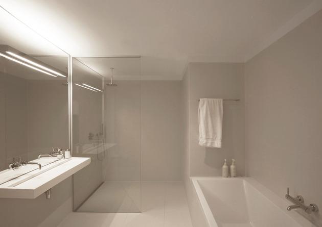 minimalist-apartment-white-walls-white-pine-white-light-10.jpg