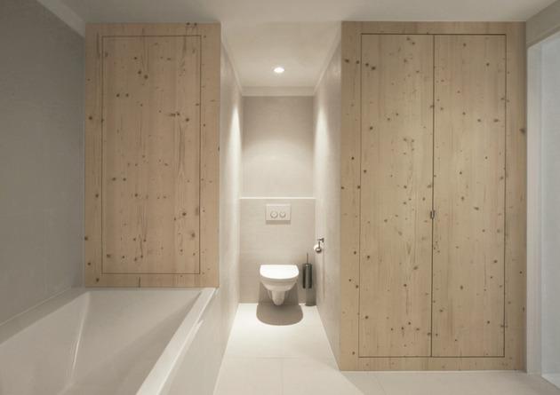 minimalist-apartment-white-walls-white-pine-white-light-11.jpg