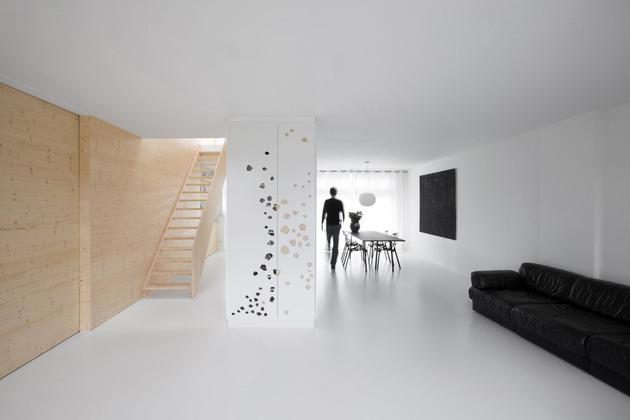 minimalist-apartment-white-walls-white-pine-white-light-3.jpg