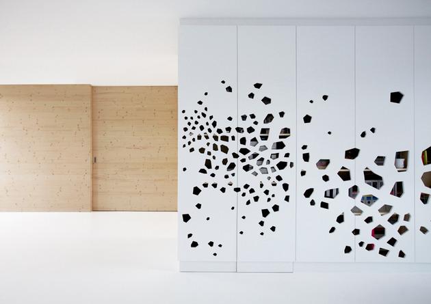 minimalist-apartment-white-walls-white-pine-white-light-4.jpg