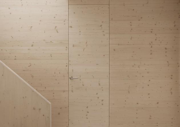 minimalist-apartment-white-walls-white-pine-white-light-8.jpg