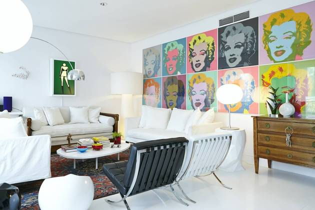 4-examples-of-how-a-large-statement-art-piece-defines-the-room-4.jpg