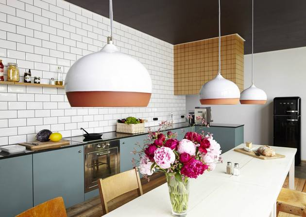 compare these two amazingly similar but different kitchens 2 thumb 630xauto 53803 White Subway Tile Kitchen Designs are Incredibly Universal:  Urban vs. Country