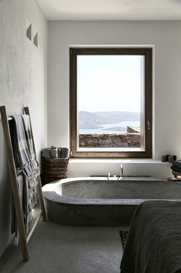 partially sunken bath makes great view 2 thumb autox945 54153 Partially Sunken Bath Could be a Convenient Option