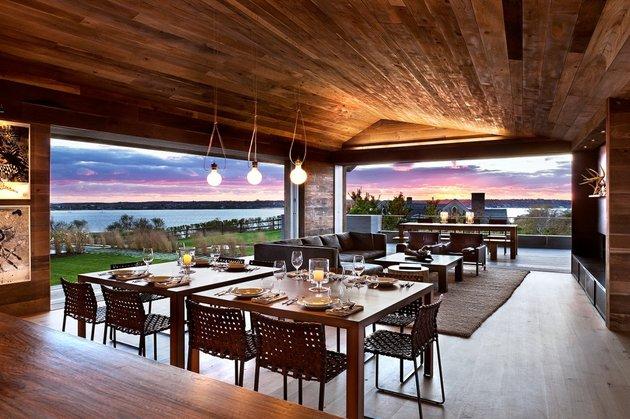 this indoor outdoor living room is designed for sunsets 1 thumb 630xauto 54048 This Indoor Outdoor Living Room is Designed for Sunsets