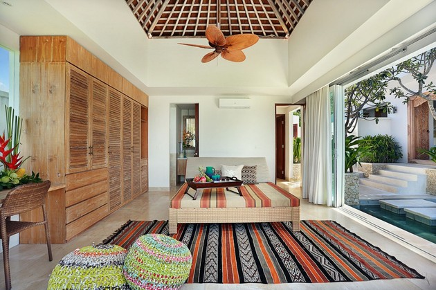 these-indoor-and-outdoor-spaces-are-set-around-kilim-rugs-6.jpg