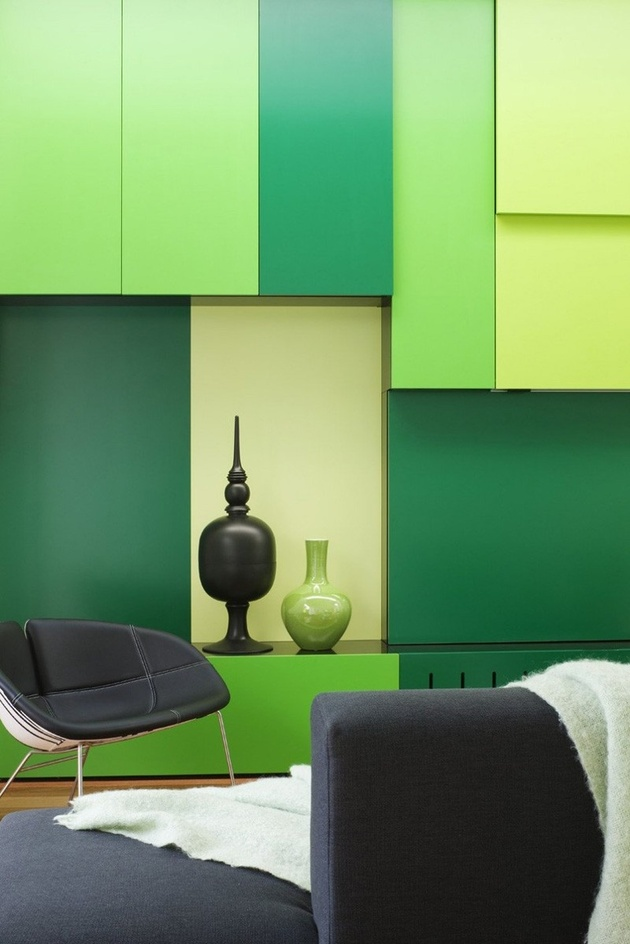 5-minimalist-home-outdoors-inside-color-green.jpg